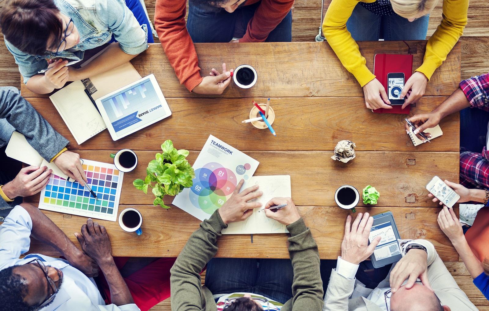 7 ideas para mantener creativo a tu equipo en una sesión de brainstorming